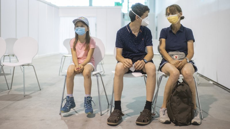 Selon l'épidémiologiste, il convient désormais de protéger les plus jeunes.