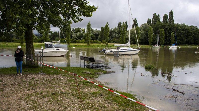 Le lac de Neuchâtel en crue: à Yverdon, on craint l'arrivée de la bise