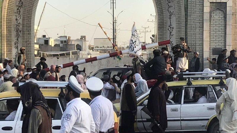 Afghanistan: les talibans prennent la dernière grande ville du nord