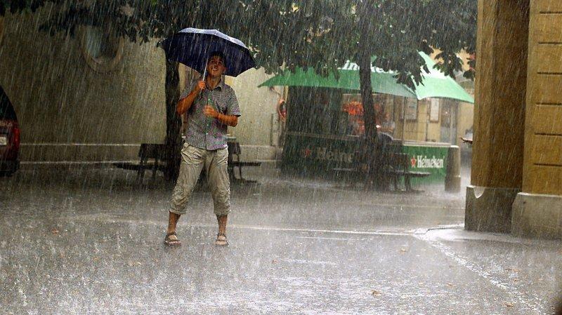 La météo sera orageuse samedi, avec un risque de grêle.