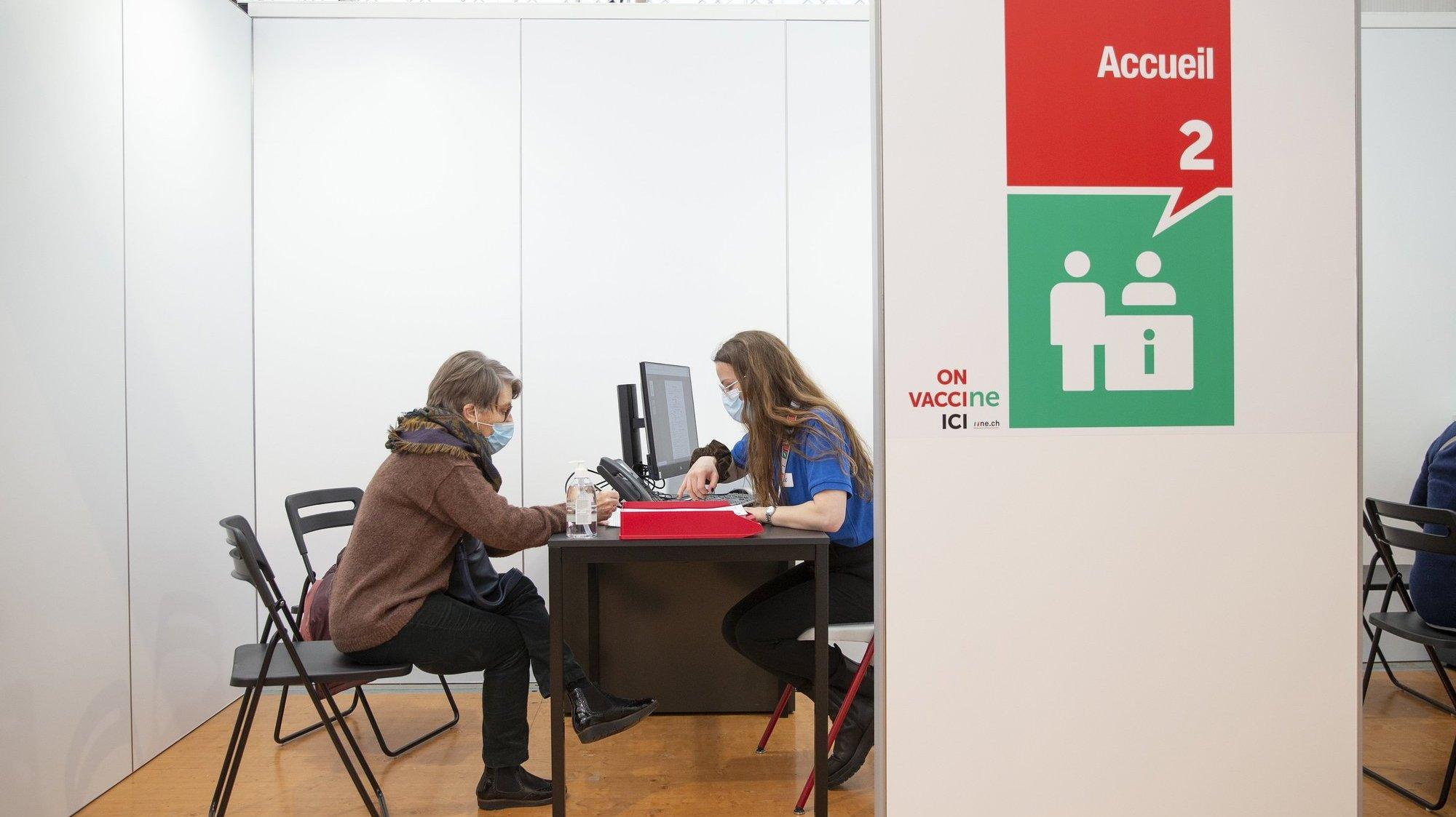 Le centre de vaccination de Neuchâtel va fermer: quelles conséquences sur les emplois?