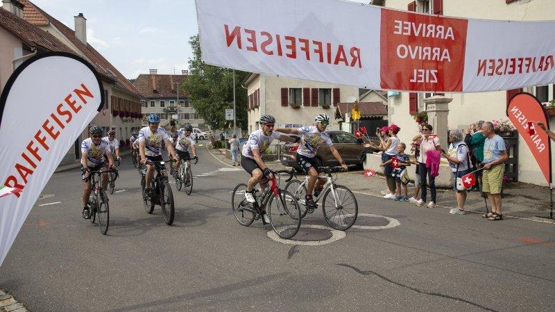 49 cyclistes, 400 kilomètres et 1 thermomètre: Grono - La Brévine, c'est fait!