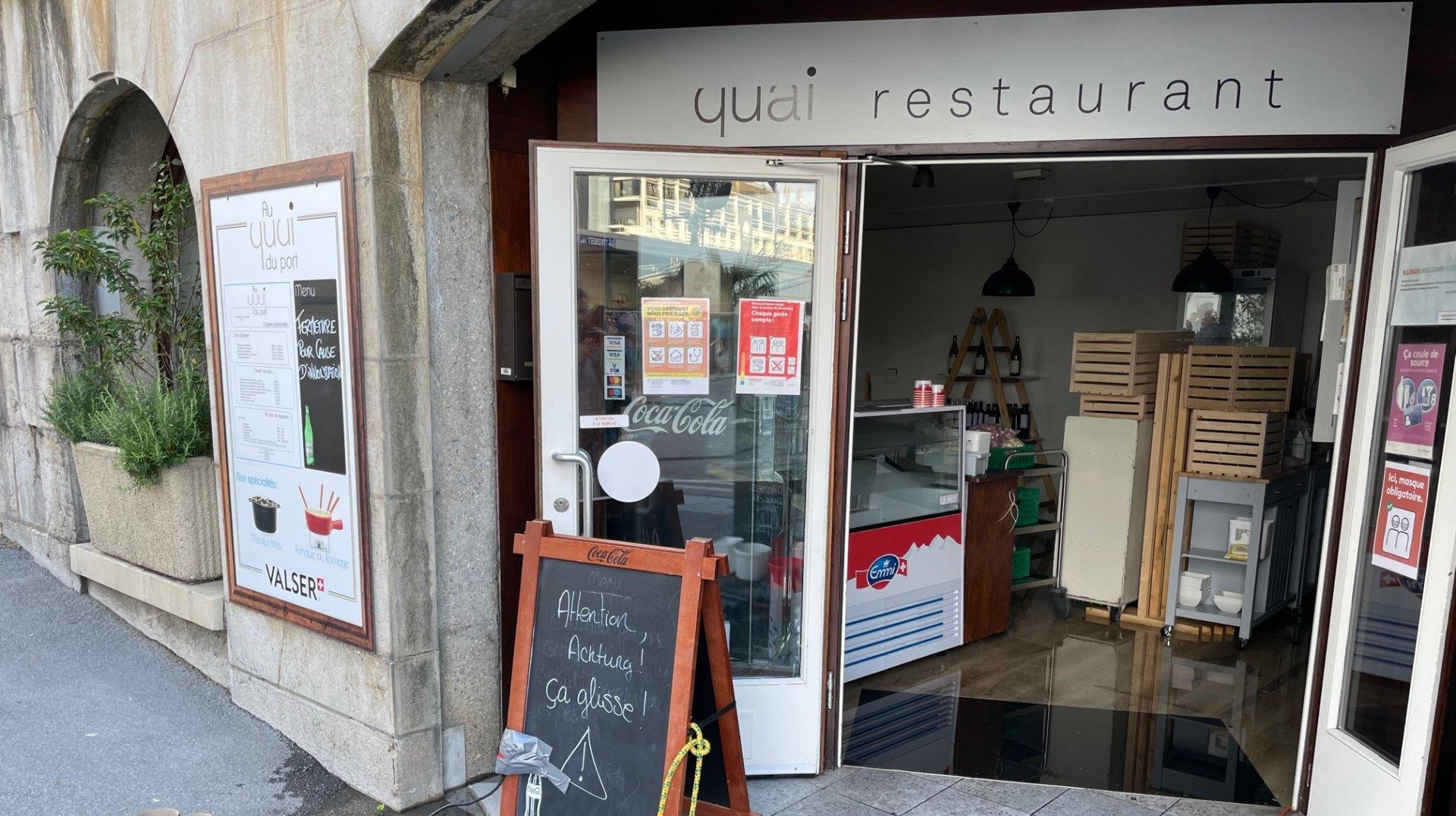 Neuchâtel: envahi par les eaux, le restaurant Au Quai du port a dû fermer en plein service
