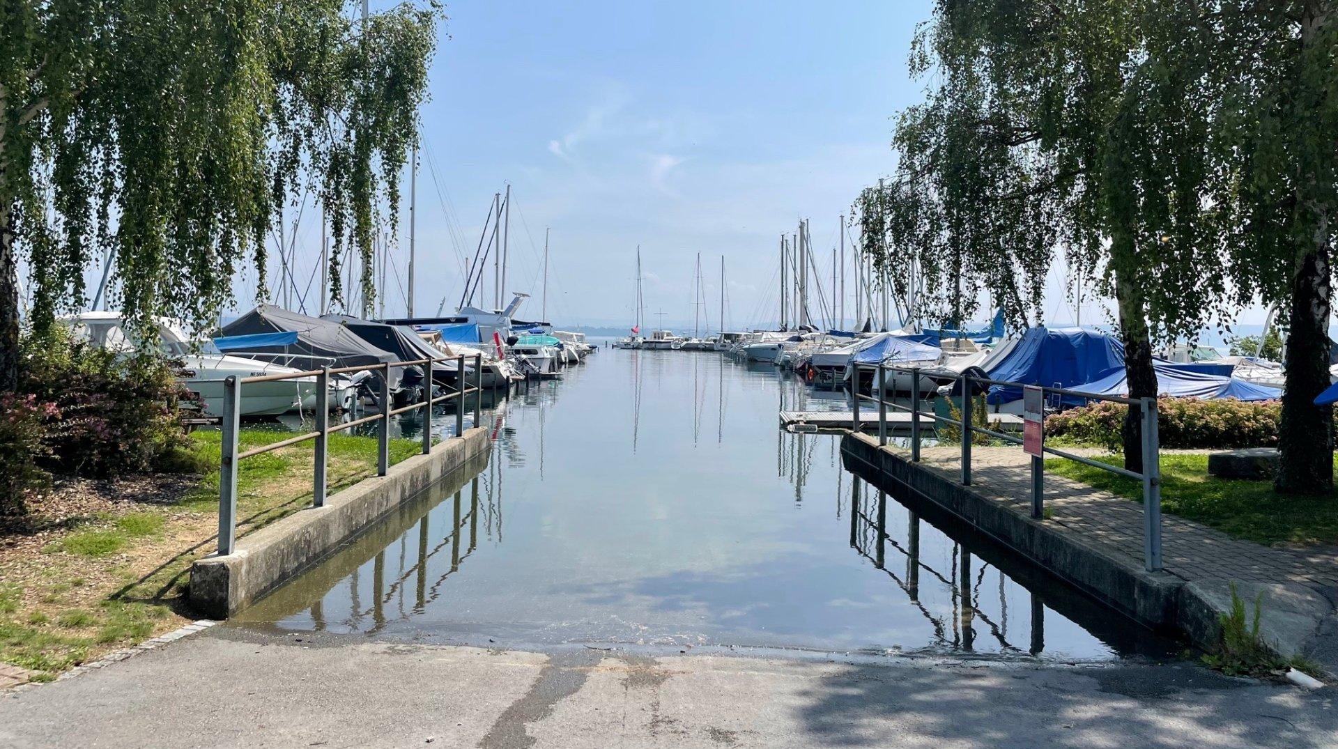 Le lac de Neuchâtel a perdu 3 centimètres en 24 heures