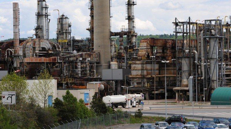 Alerte à la raffinerie de Cressier. Autoroute fermée pendant 20minutes
