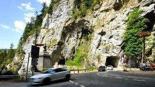 Tunnel fermé: pour aller aux Brenets, les cars devront passer par la France