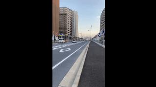 L'ambiance dans les rues du village olympique à Tokyo