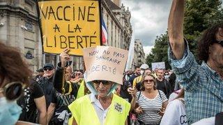 Coronavirus: plus de 200'000 personnes ont manifesté en France contre le pass sanitaire