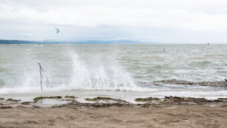 Le lac de Neuchâtel en crue!