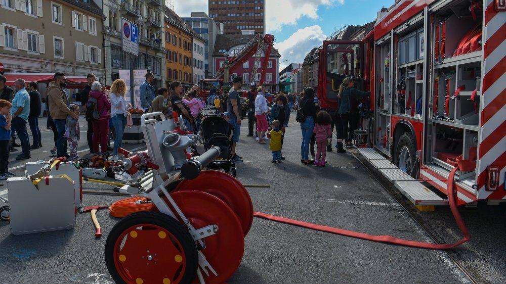 C'est sur la place du Marché de La Chaux-de-Fonds que le SIS des Montagnes neuchâteloises a fêté ses 20 ans avec le public.