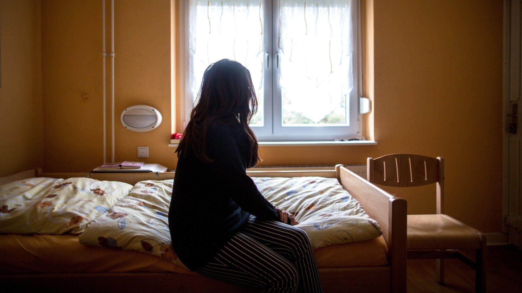 En Suisse, il manque des centaines de places dans des maisons d'accueil pour les femmes battues.