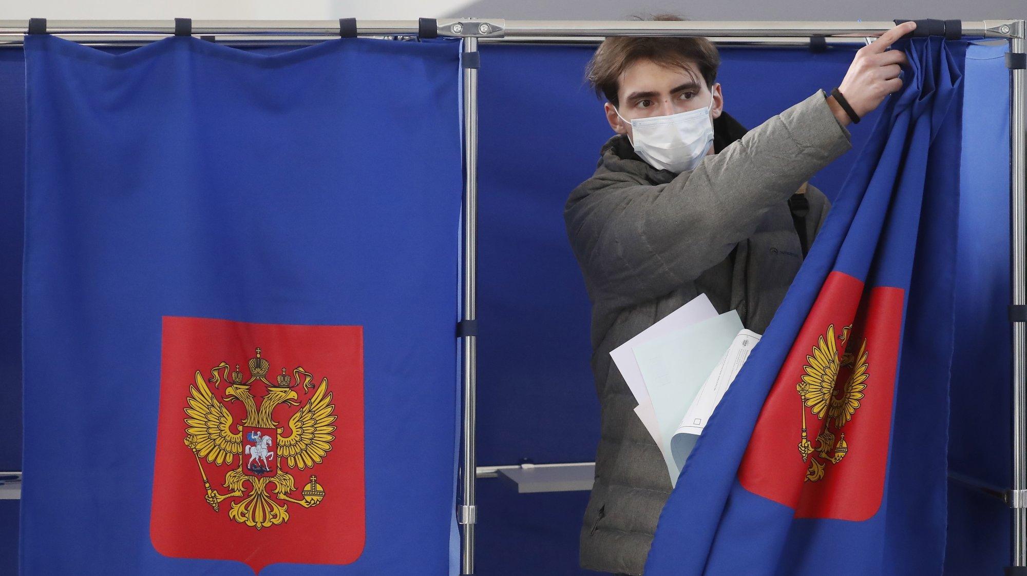 Peu avant la clôture du vote, la participation au scrutin russe s'établissait à 40%.