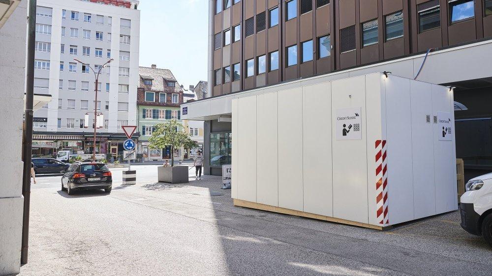 Credit Suisse est déjà de retour à La Chaux-de-Fonds dans cet espace provisoire, en attendant l'ouverture d'un bureau.