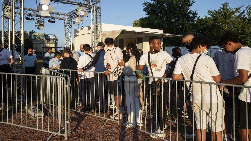 Pass obligatoire aux Jeunes-Rives de Neuchâtel pour la soirée fluo du samedi 11 septembre.