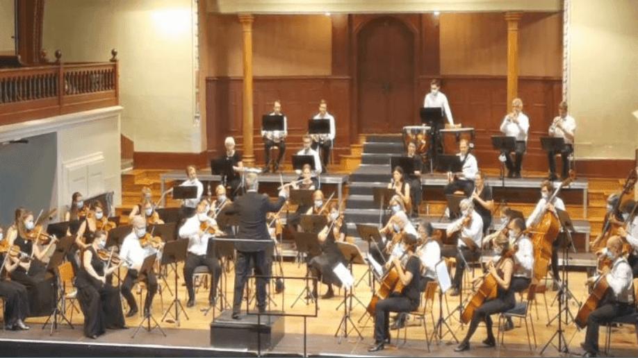 L'orchestre des médecins suisses lors d'un concert donné à Soleure dans le respect des conditions sanitaires en août 2020.