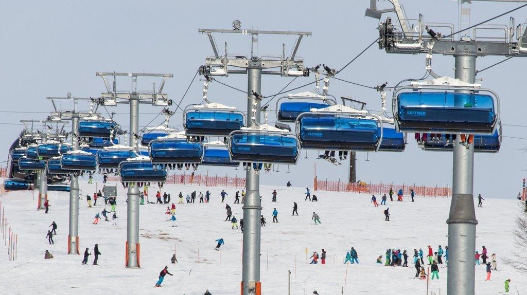 Certificat Covid pour skier cet hiver: ce que font les pays voisins de la Suisse
