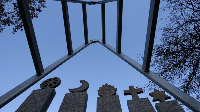 Evangéliques, musulmans et juifs en quête d'intégration