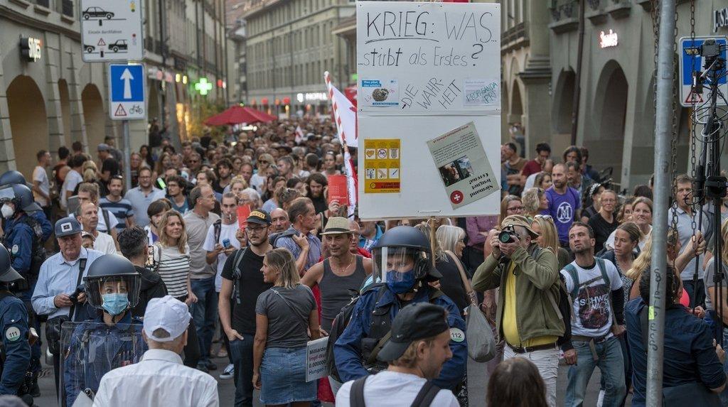 Coronavirus: protestation à Berne contre l'extension du certificat Covid