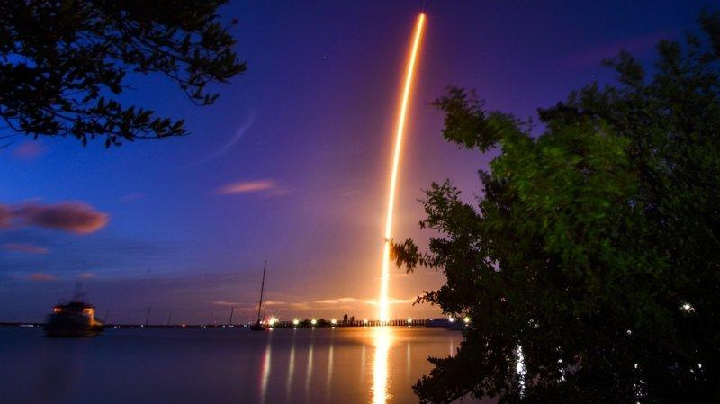 Espace: les premiers touristes spatiaux de SpaceX en orbite