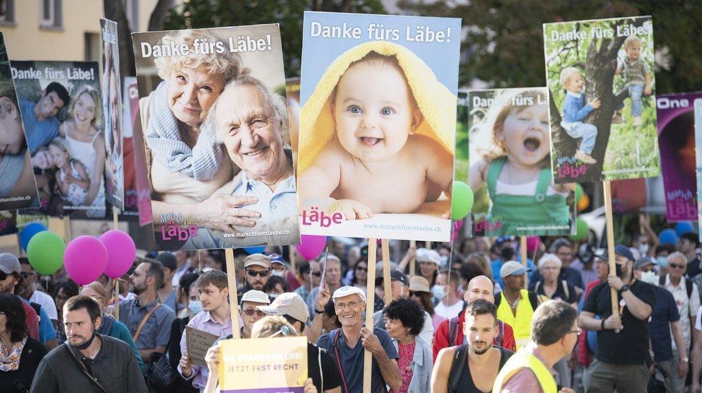 Manifestation: plus de 500 militants anti-avortement défilent à Oerlikon (ZH)