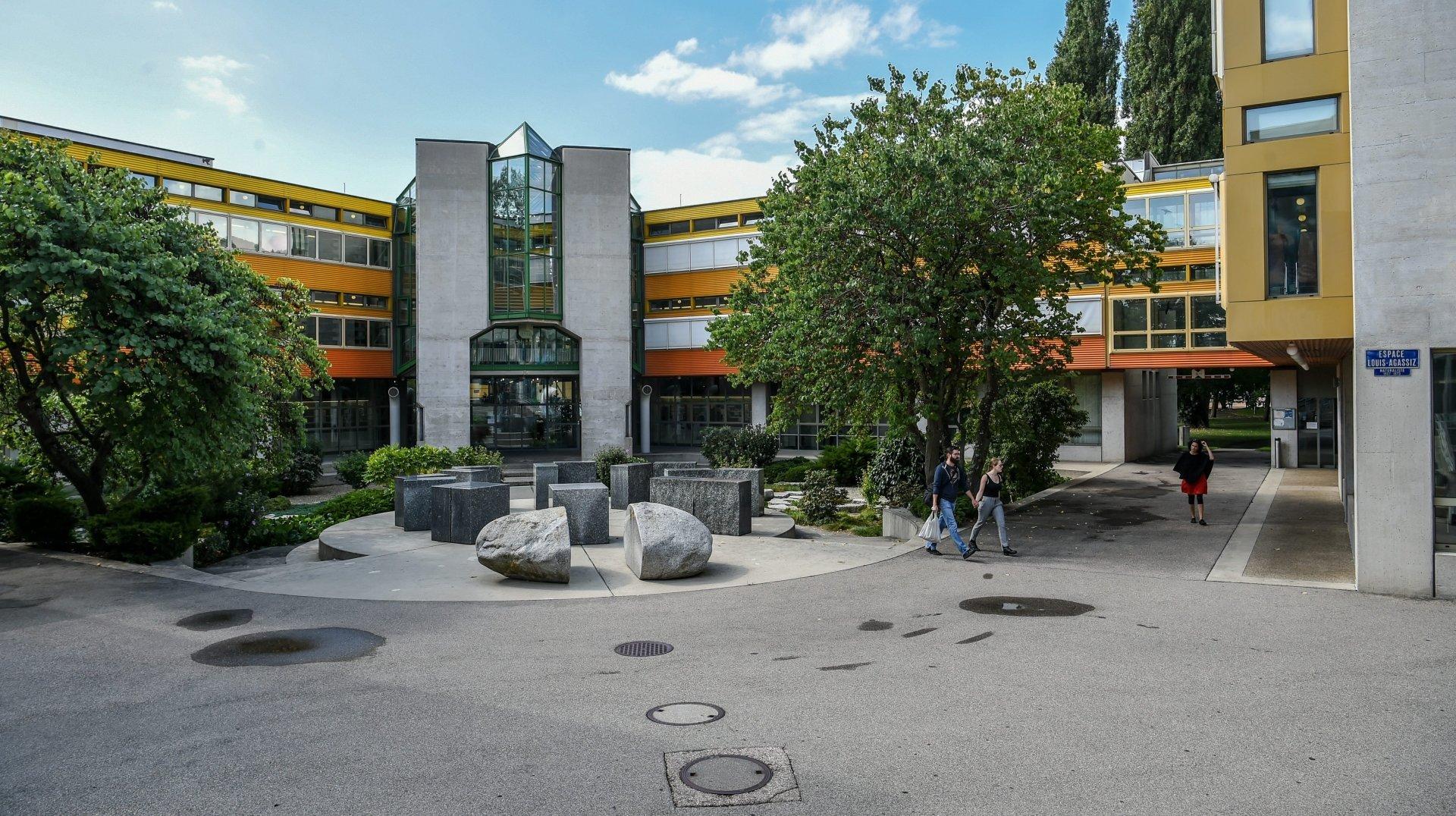 Il faudra un pass Covid pour suivre les cours de l'Université de Neuchâtel