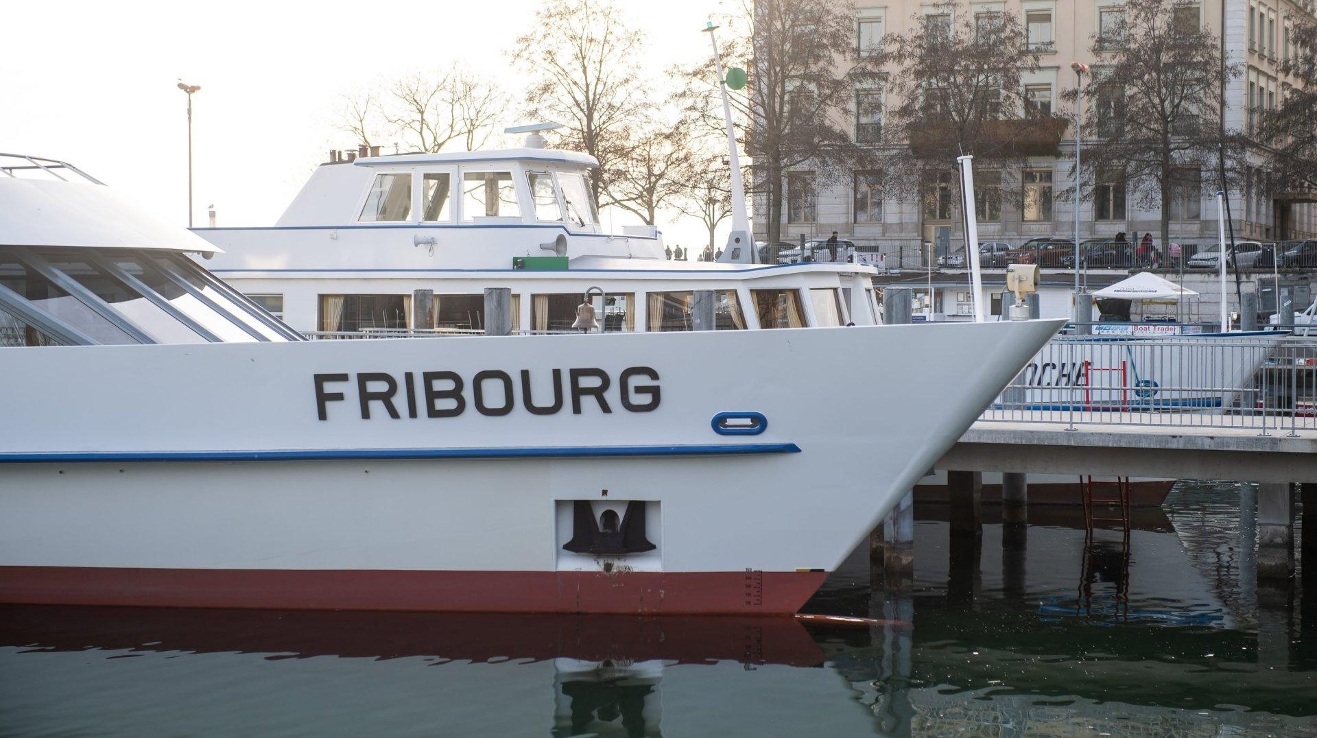 Neuchâtel accueillera un petit salon du livre sur le bateau Fribourg