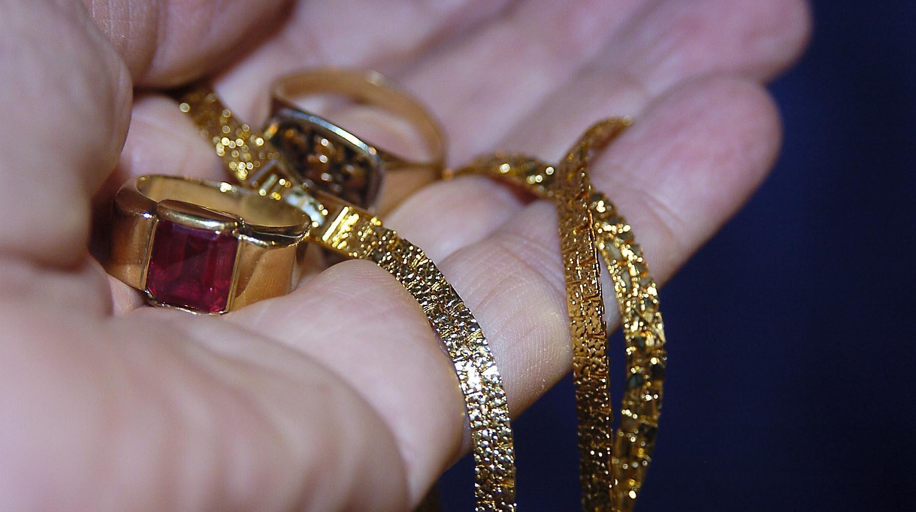 La Chaux-de-Fonds: un bijoutier soudanais à l'honneur