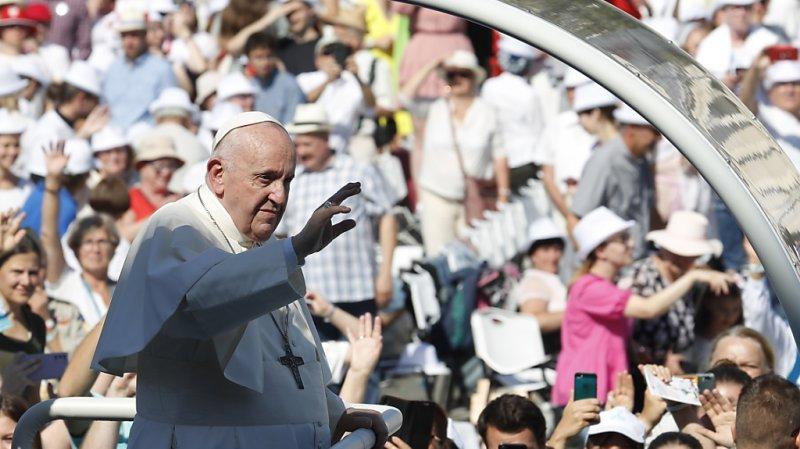 Le 34e voyage international du pape François intervient environ deux mois après une opération au côlon.
