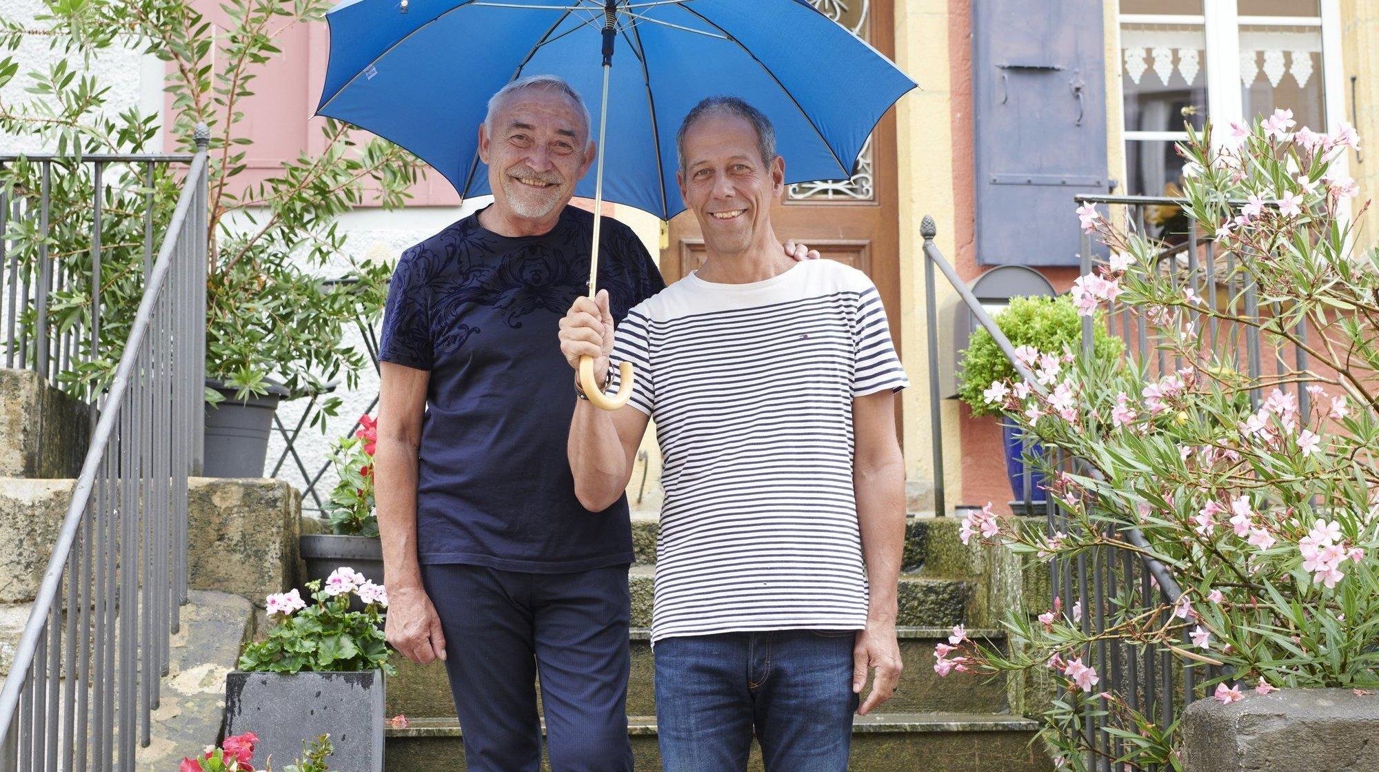 Mariage pour toutes et tous: ce couple de vignerons neuchâtelois espère bien s'unir pour la troisième fois