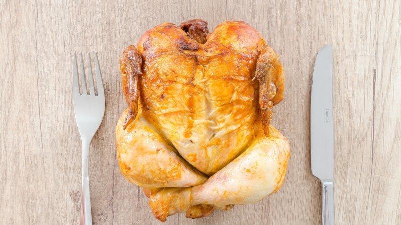 Les Suisses mangent plus de poulet que ce qui est recommandé.
