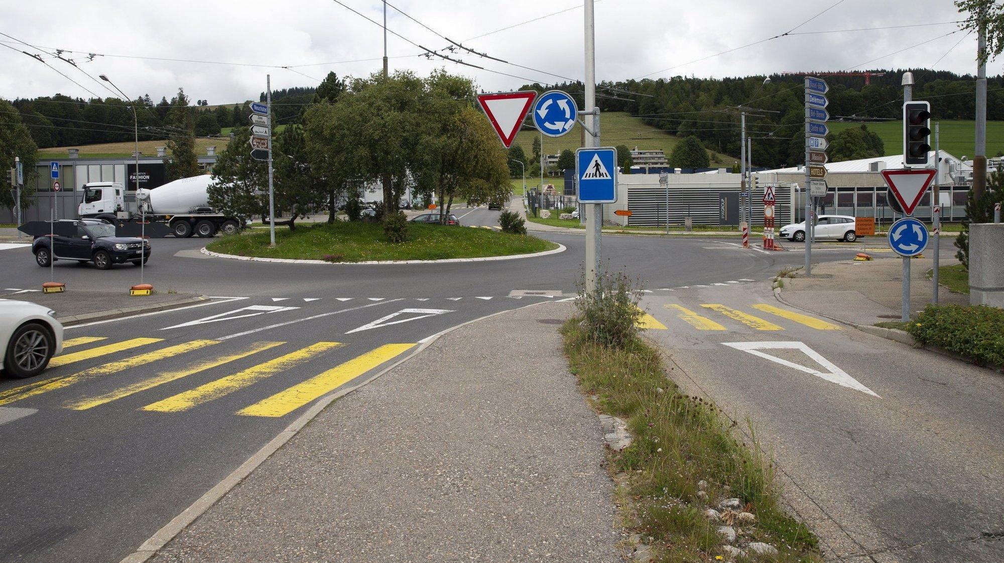 La Chaux-de-Fonds: quand ça coince au giratoire du Grillon