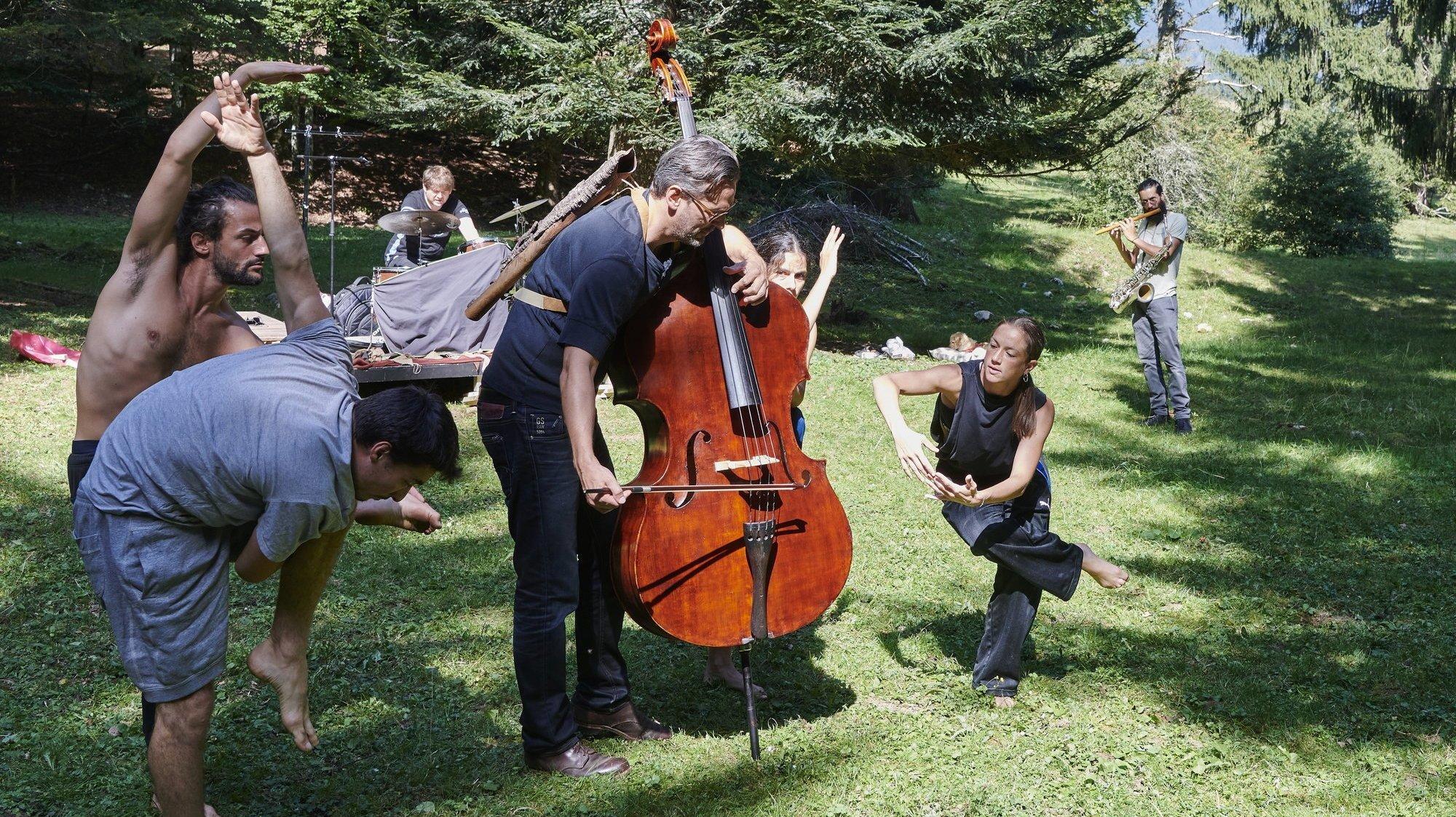 Lignières: un spectacle mêlant danse et jazz dans la forêt