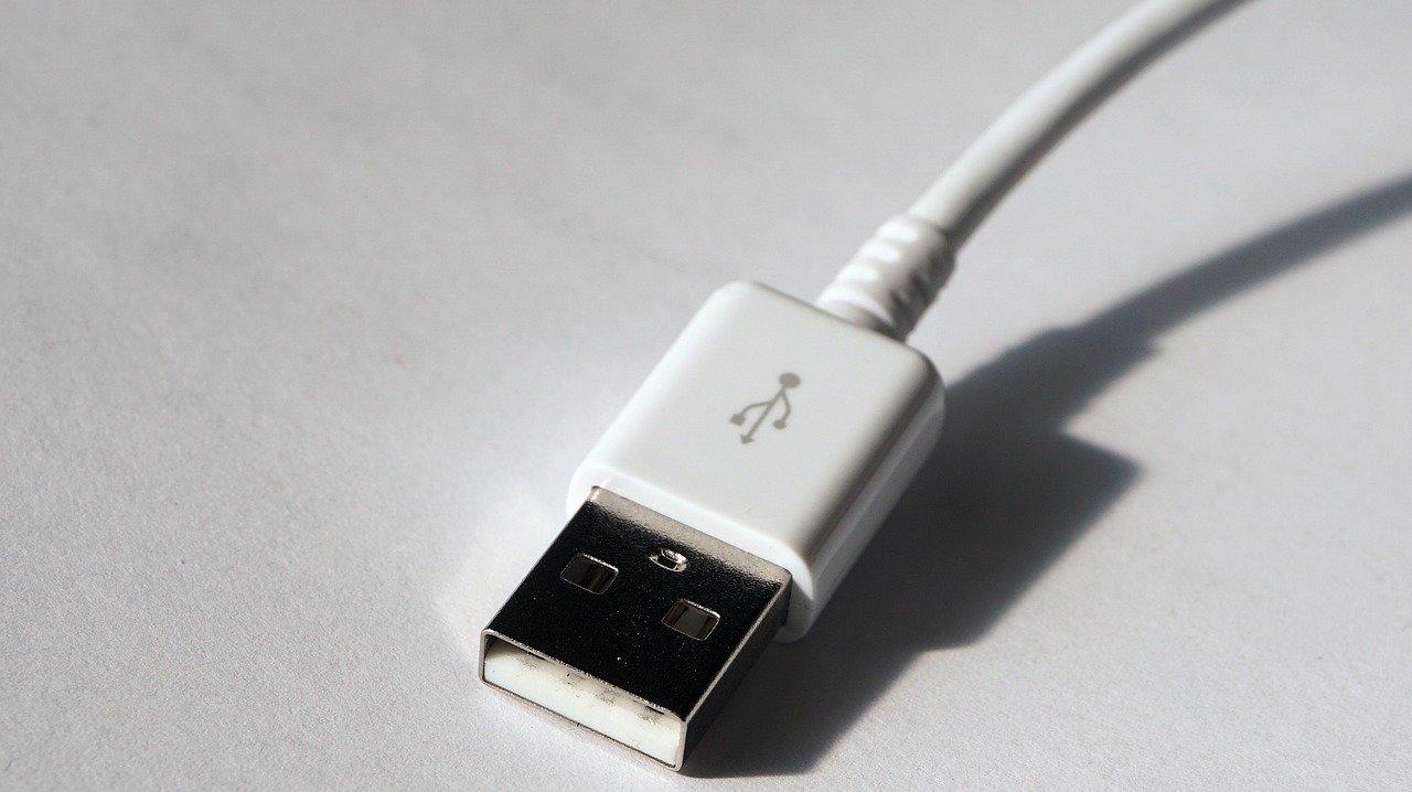 Cybersécurité: le faux câble de recharge qui peut voler vos données à distance