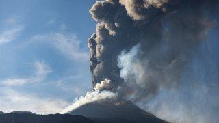 L'Etna entre de nouveau en éruption