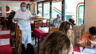 «J'en ai la boule au ventre»: le certificat Covid pourrit la vie de restaurateurs neuchâtelois