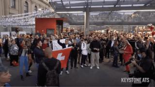 Des centaines d'opposants aux mesures de lutte contre le Covid réunis à Berne