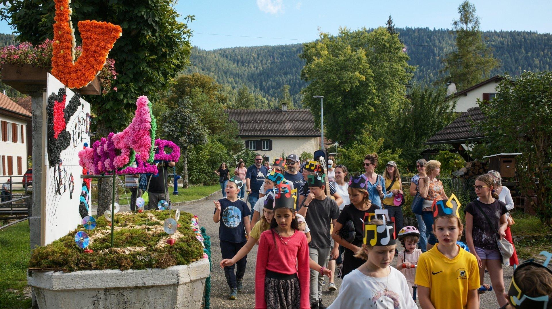 Môtiers: une fête des fontaines sans danse