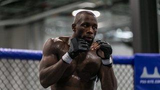 Battu par Jack Della, Ange Loosa devra attendre avant de rejoindre l'UFC