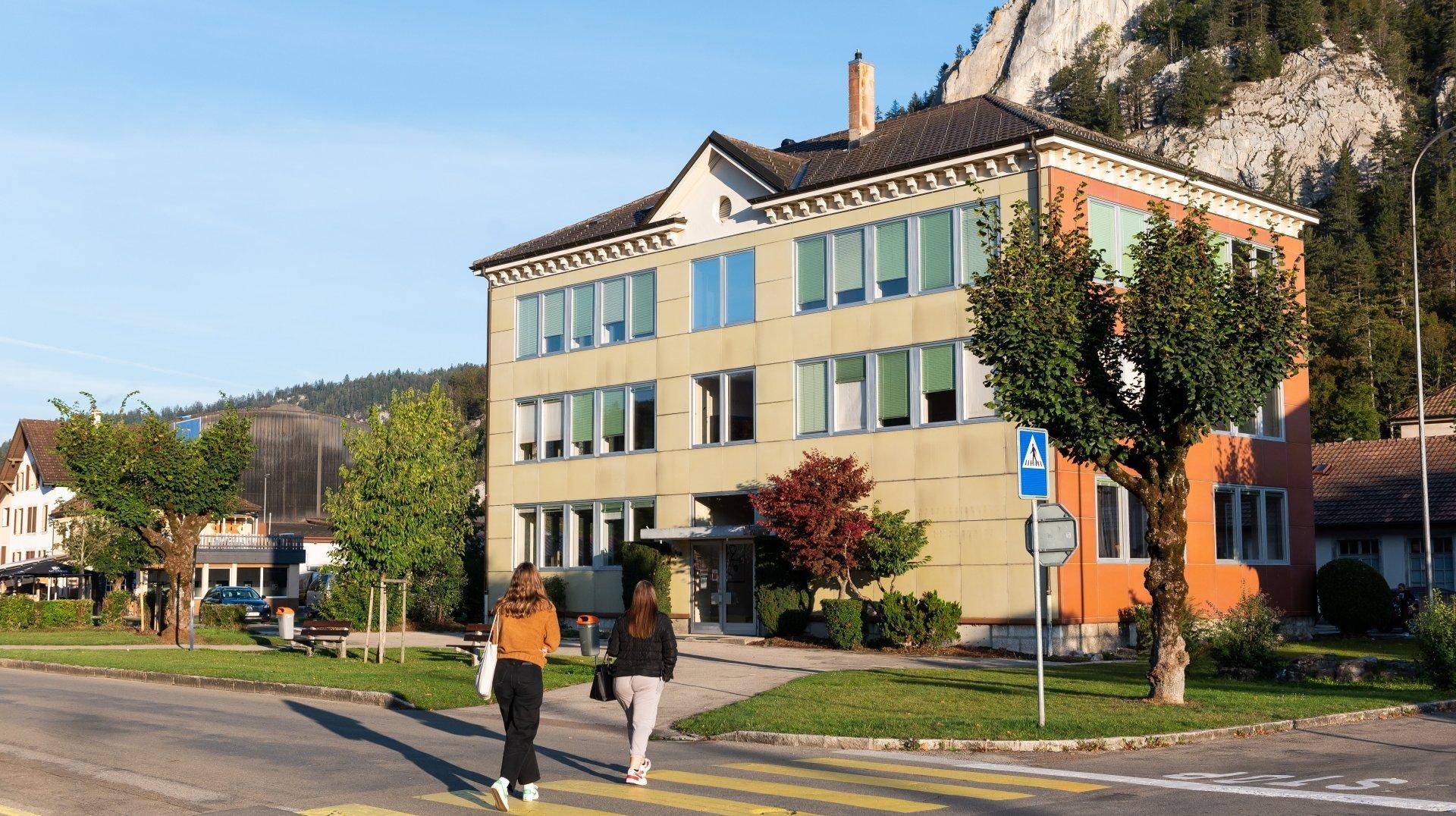 Le lycée quittera définitivement le Val-de-Travers: l'histoire d'un long combat