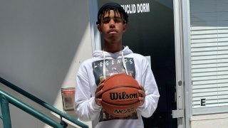 Noah Massong vit son rêve au pays du basketball
