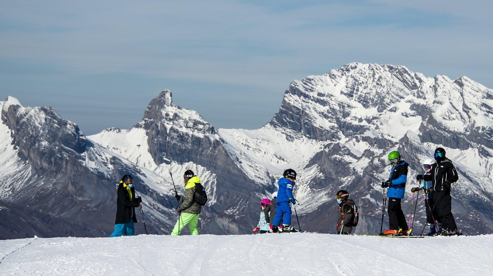 Les camps de ski ne seront accessibles qu'aux élèves des lycées et écoles professionnelles qui peuvent prouver qu'ils ont été vaccinés contre le Covid-19 ou guéris (image d'illustration).