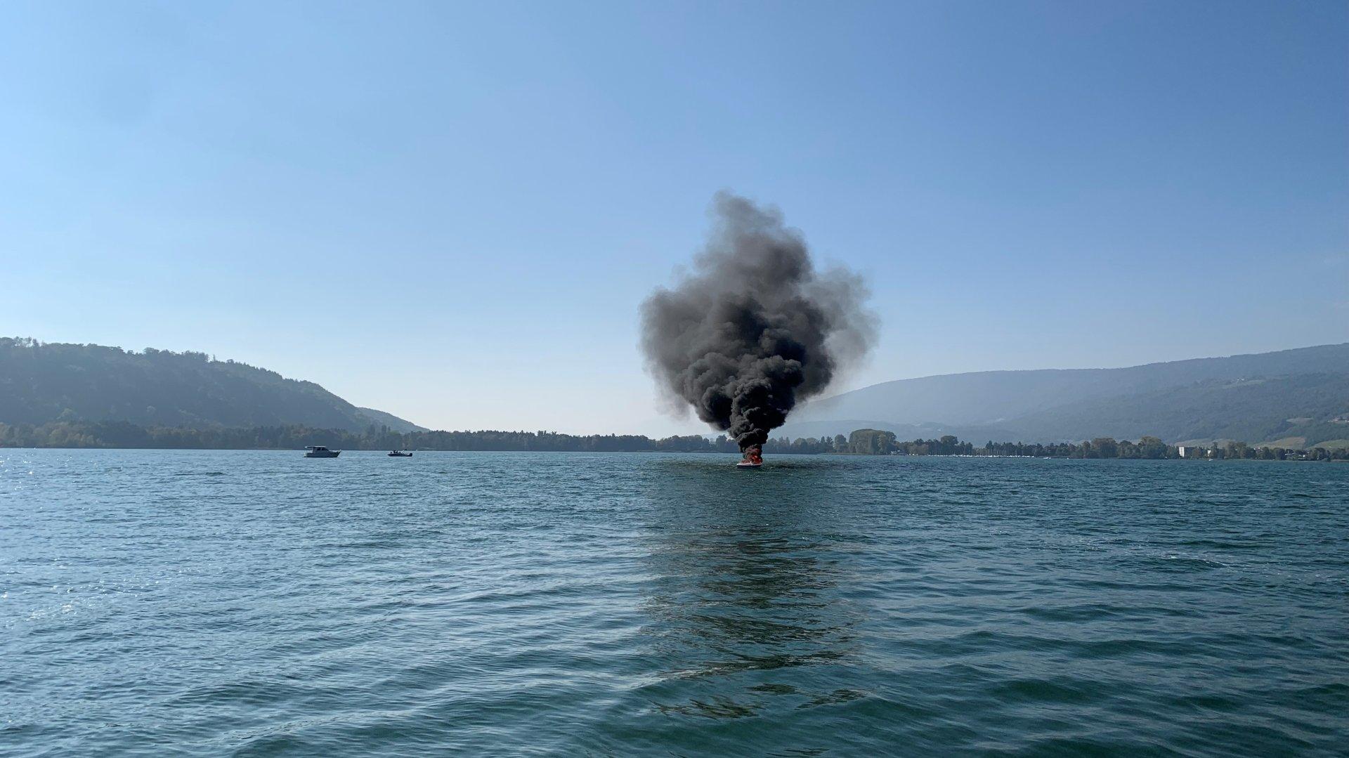 Le feu a pris dans un bateau sur le lac de Bienne ce samedi 16 octobre