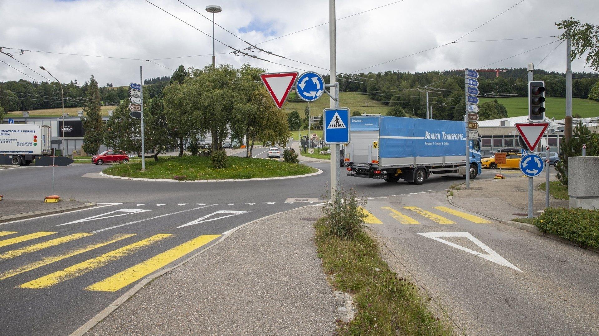 La sortie du trafic de la rue du Jura-Industriel sur le giratoire du Grillon (à droite) ne sera plus possible.