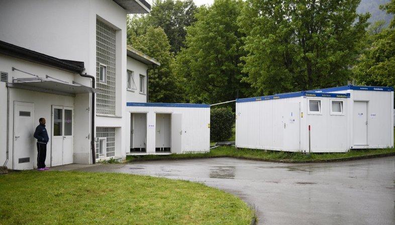 Sécurité à Perreux: un problème «systémique» reconnu dans les centres d'asile, selon Droit de Rester Neuchâtel