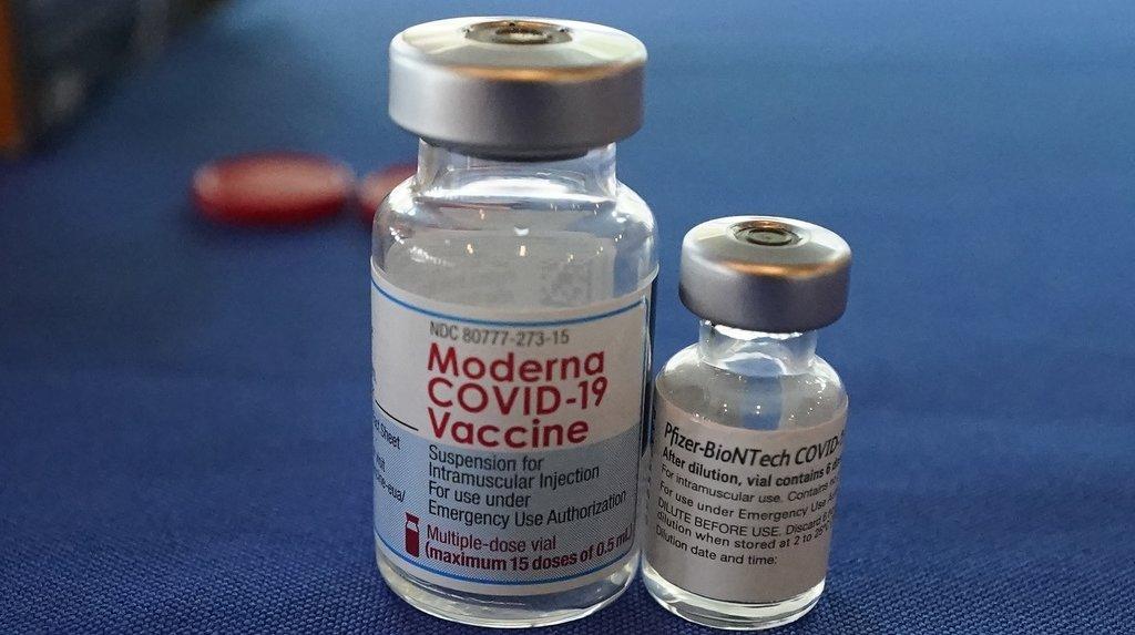 Coronavirus: la Suisse s'intéresse au mélange des vaccins Pfizer et Moderna