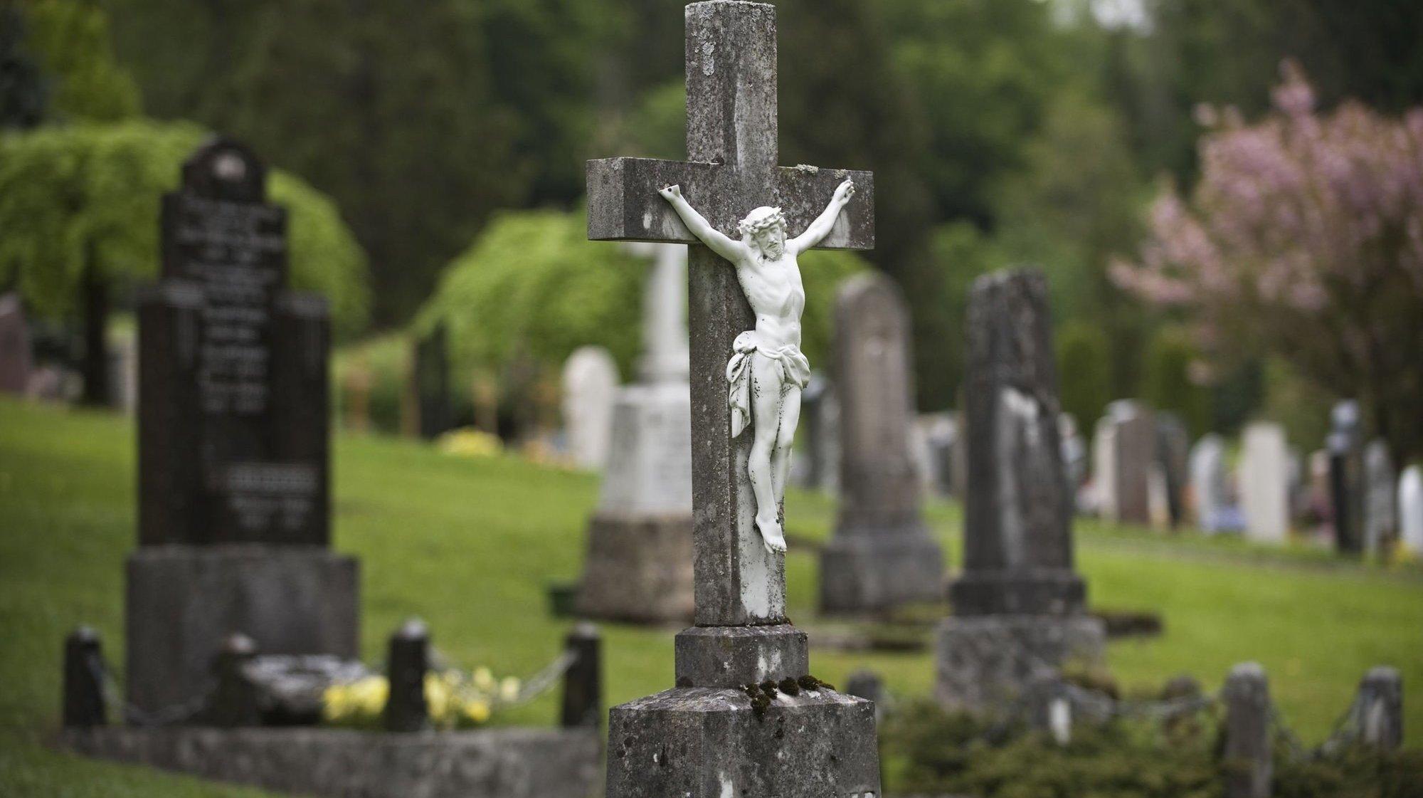 Trop de gens aux obsèques: le croque-mort neuchâtelois est exempté de peine