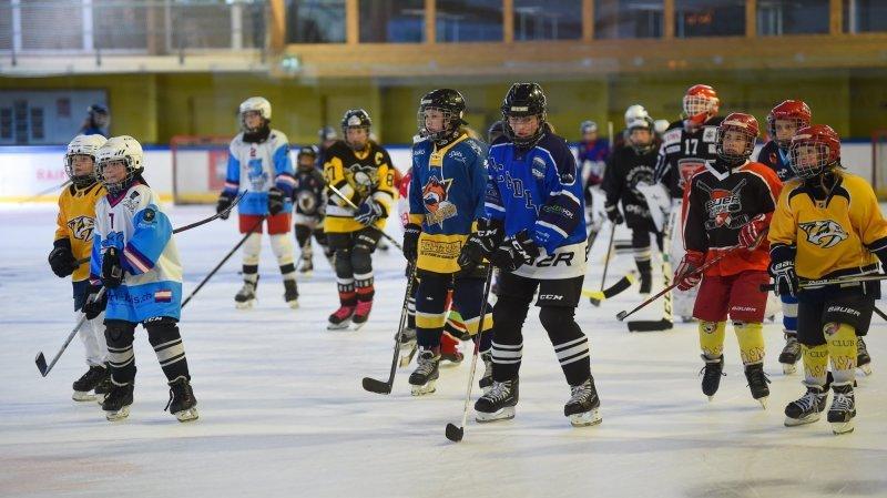 Quatre équipes de jeunes hockeyeuses disputeront un tournoi entre filles ce samedi aux patinoires du Littoral.