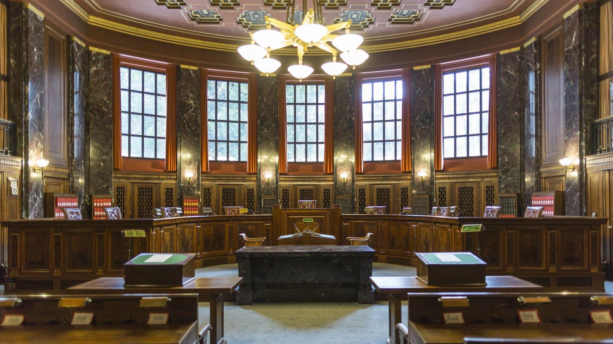 Libre opinion: élection des juges et H18, d'anciens élus s'expriment