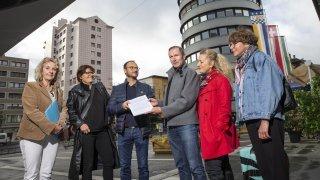 La Chaux-de-Fonds: fâchés, des pros de la communication ont remis une motion à la Ville