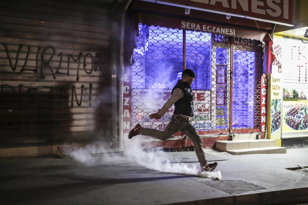 Erdogan gagne de justesse son référendum — Turquie